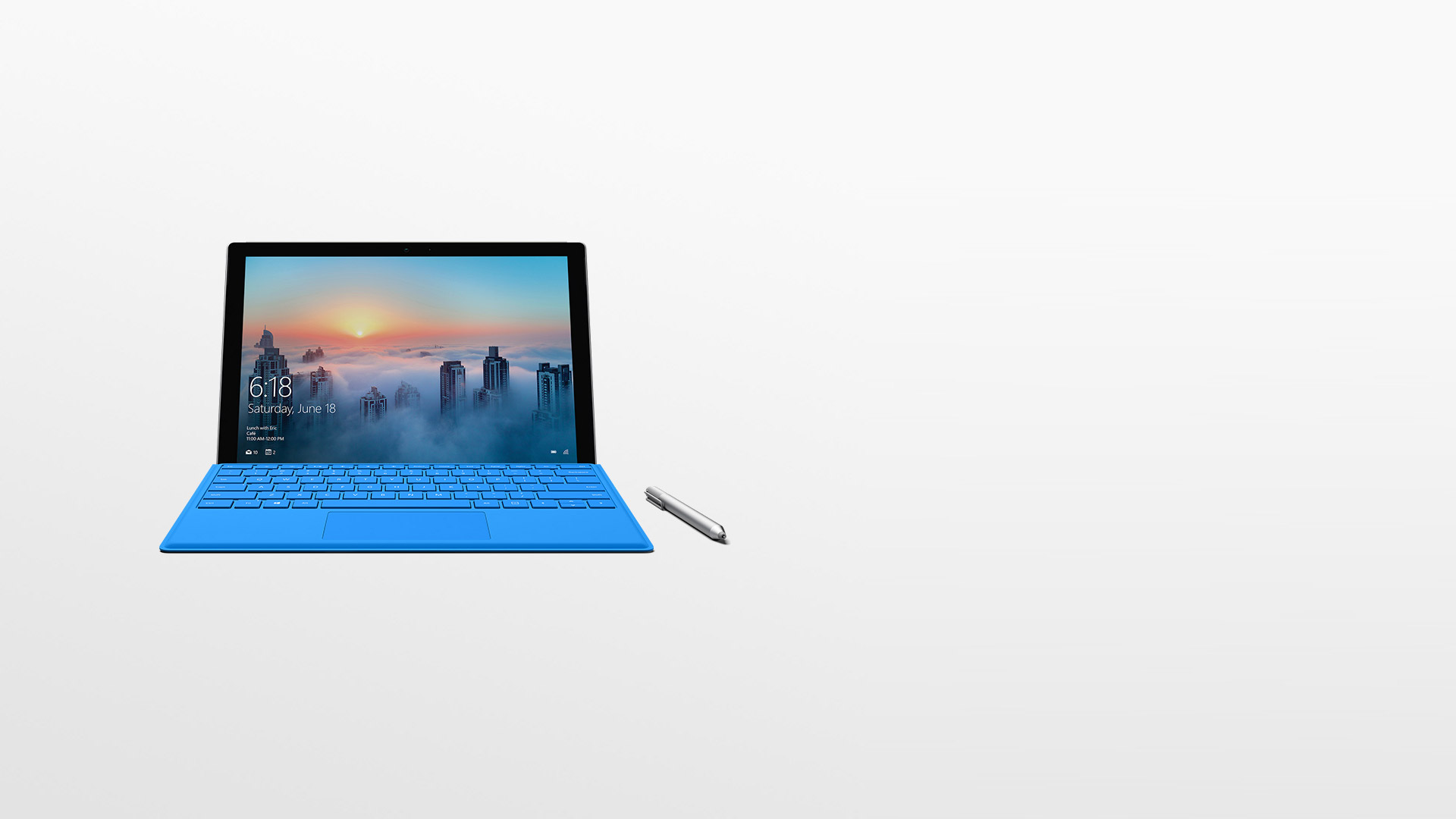 Surface Pro 4 مع قلم Surface Pen.