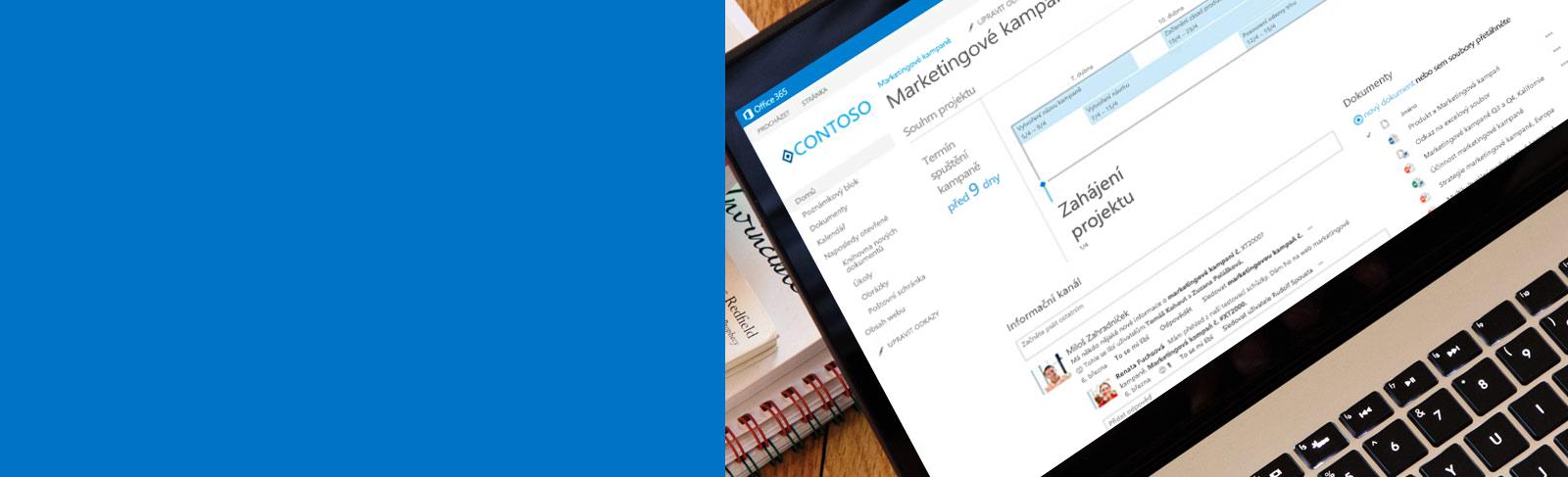 Přenosný počítač s otevřeným dokumentem ze SharePointu