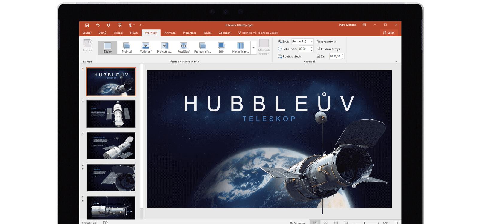 Obrazovka tabletu ukazující použití Morfingu v powerpointové prezentaci o vesmírných teleskopech