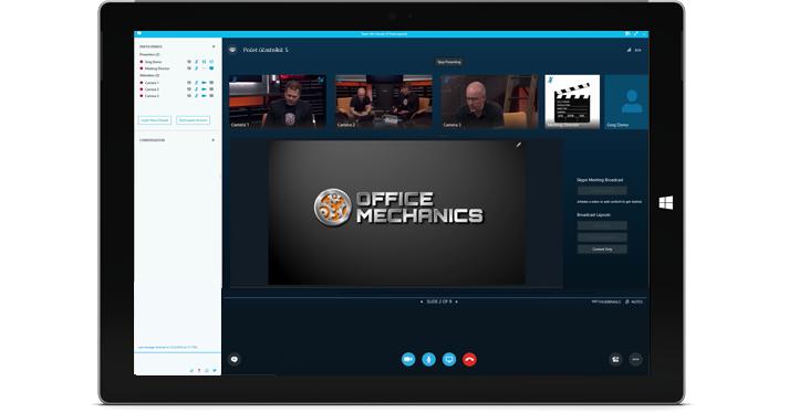 Tablet s Windows a vysílanou skypovou schůzkou přes Skype Meeting Broadcast