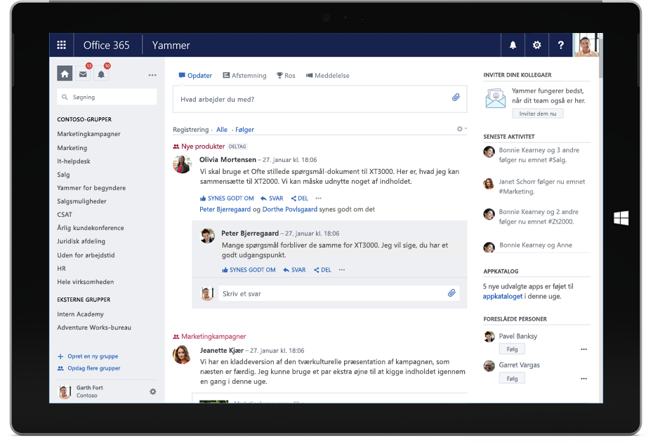En Surface-tablet viser Yammer Discovery-feed