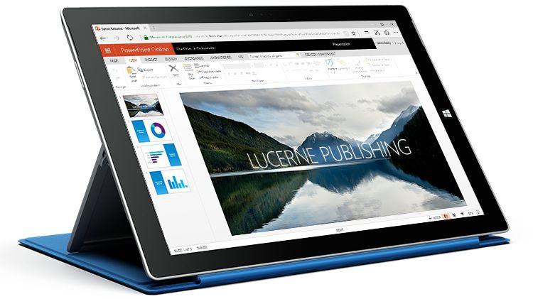 En Surface-tablet med en præsentation i PowerPoint Online.