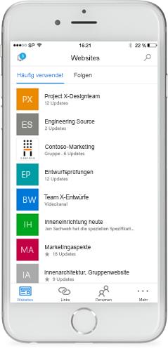 Ein Smartphone mit der SharePoint Mobile-App auf dem Bildschirm