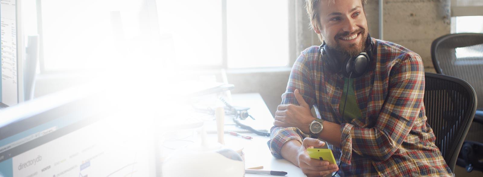 Nutzen Sie die neuesten Produktivitätstools und Dienste für die Zusammenarbeit mit Office 365 Enterprise E1.