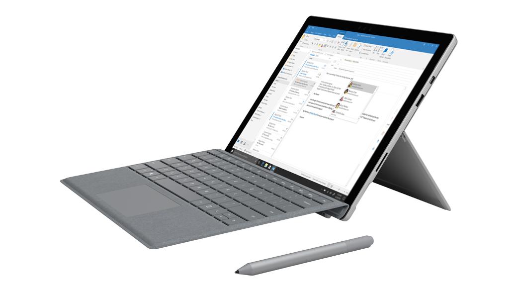 Outlook-Bildschirm wird auf einem Surface Pro im Laptop-Modus mit Surface-Stift angezeigt.