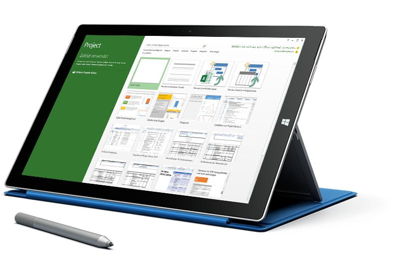 """Microsoft Surface-Tablet, auf dem in Microsoft Project der Bildschirm """"Neues Projekt"""" angezeigt wird"""