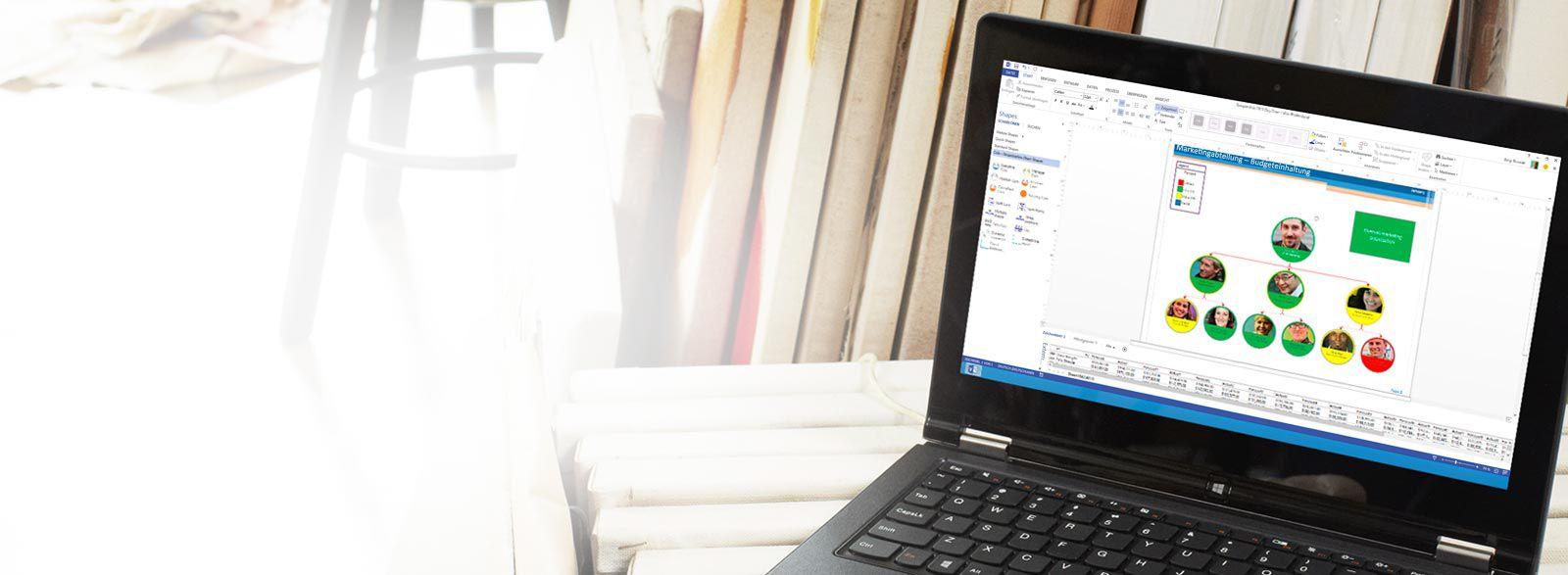 Ein Laptop mit Visio Pro für Office 365 in Aktion