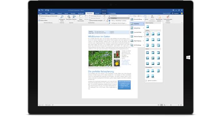 """Ein Surface mit der neuen """"Sie wünschen...""""-Funktion in einem Word-Dokument"""
