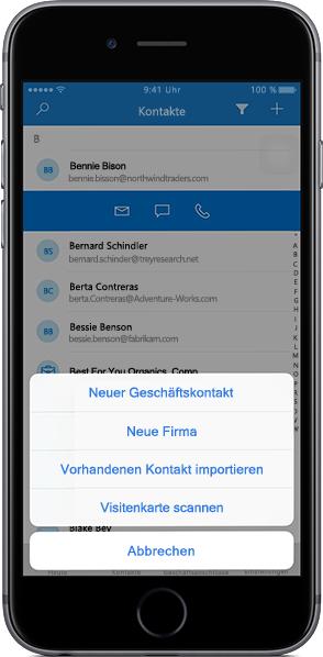 iPhone mit einer Kontaktliste in der mobilen Outlook Customer Manager-App