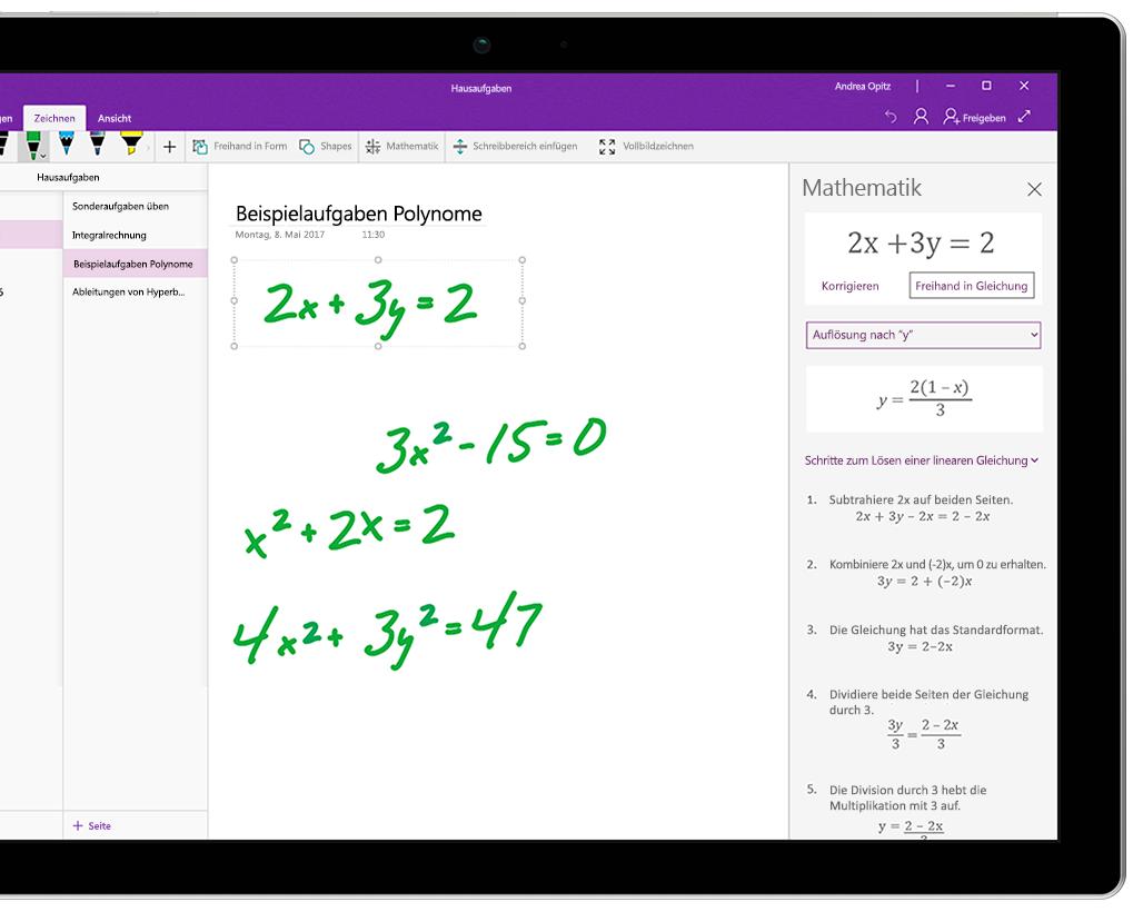 Surface-Tablet mit mehreren handschriftlichen Gleichungen in OneNote