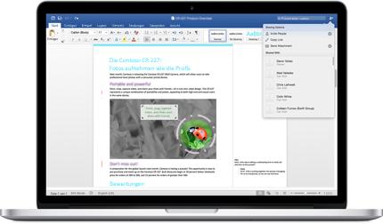 """Ein Laptop mit einem Word-Dokument, in dem Kommentare und das Menü """"Freigabeoptionen"""" angezeigt werden"""