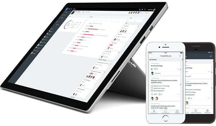 Smartphone και tablet που εμφανίζουν την κατάσταση των εργασιών στο Microsoft Planner.