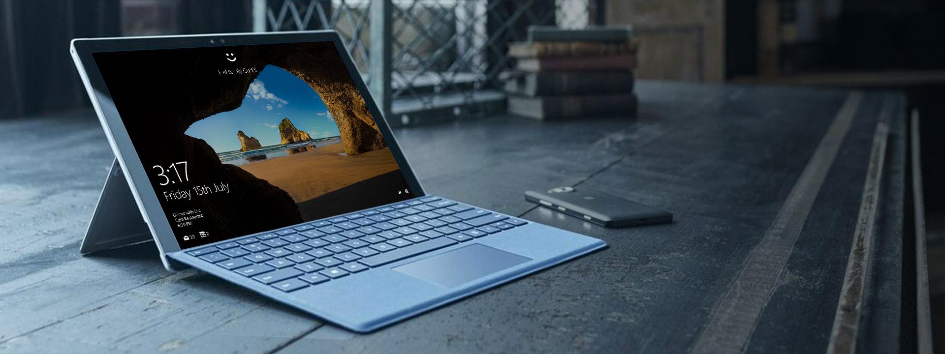 Lenovo Yoga 900 with Windows 10 Start screen