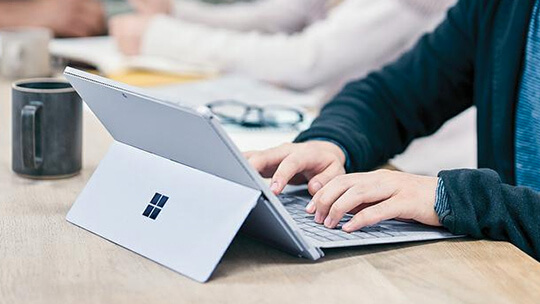 Person using a Surface Pro 4