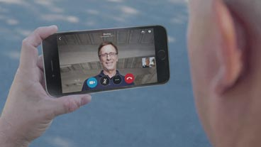 Smartphone, try Skype Meetings for free