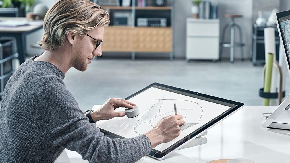 "Microsoft Surface Studio are un display de 28"" touch screen 139"