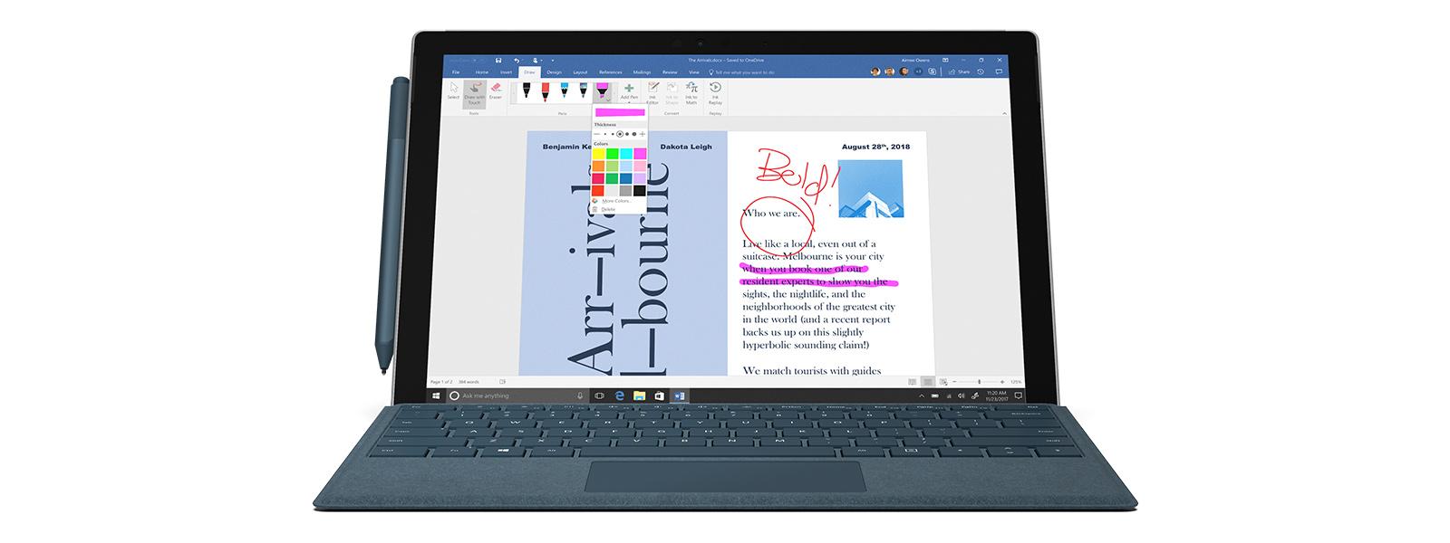 Dispositivo Surface Pro que muestra la función de entrada manuscrita en una pantalla de Paint 3D