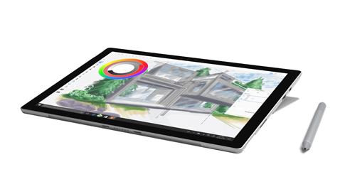 La app SketchBook que se muestra en la pantalla de Surface Pro en modo estudio con un Lápiz para Surface.