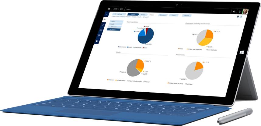 Tableta Surface en la que se muestran características de creación de informes en las soluciones de cumplimiento de Office 365