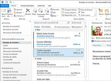 Captura de pantalla de una Bandeja de entrada de Microsoft Outlook 2013 con una lista de mensajes y una vista previa.