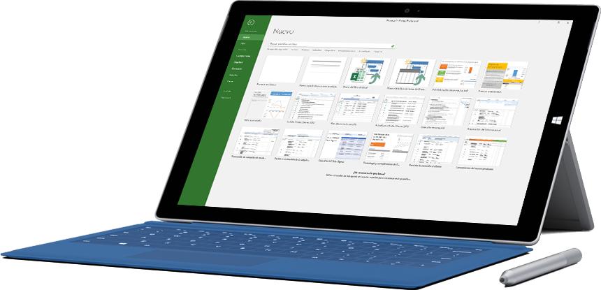 Tableta Microsoft Surface que muestra la ventana Nuevo proyecto en Project 2016.