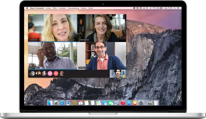 Un equipo Mac en el que se muestra una llamada de Skype Empresarial en curso