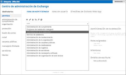 Captura de pantalla de la página de permisos del Centro de administración de Exchange desde donde se gestionan los roles de administración.