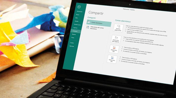 Una portátil muestra la pantalla Compartir en Microsoft Publisher 2016.