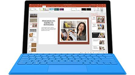 Software mostrado en una pantalla de gran tamaño