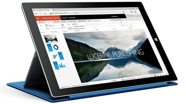Tableta Surface donde se muestra una presentación en PowerPoint Online.