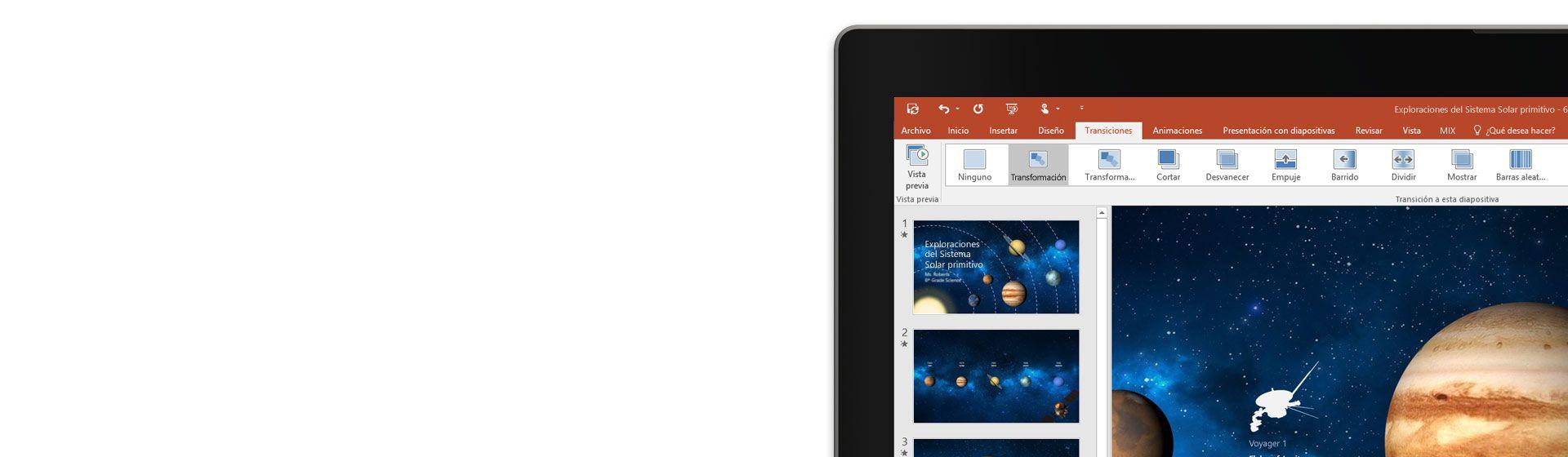 Una tableta donde se muestra la característica Transformación en la diapositiva de una presentación de PowerPoint.