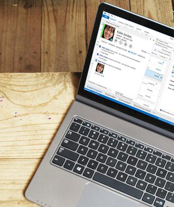 Sülearvuti ekraan, kus on näha avatud Outlook 2013 kiirsõnumside vastuseaken.