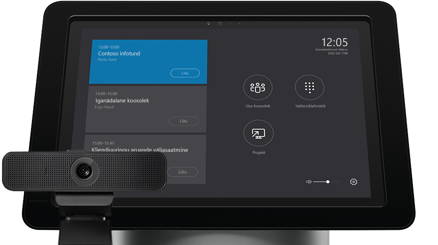 Sülearvuti ekraan, kus on näha Skype'i ärirakenduse serveri haldustööriistad