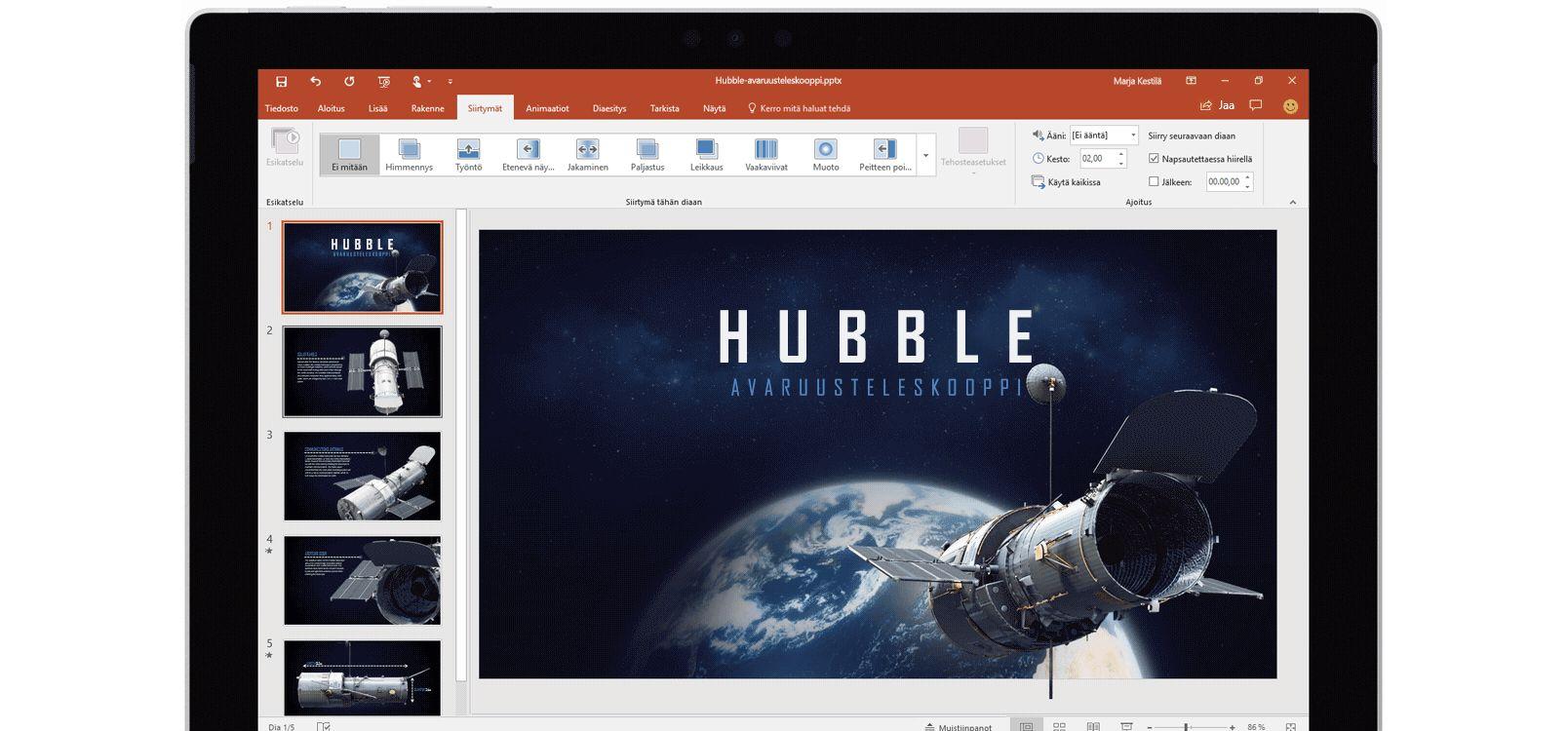 Tabletin näyttö, jossa näkyy miten Muodonvaihto-siirtymää käytetään avaruusteleskooppeja käsittelevässä PowerPoint-esityksessä