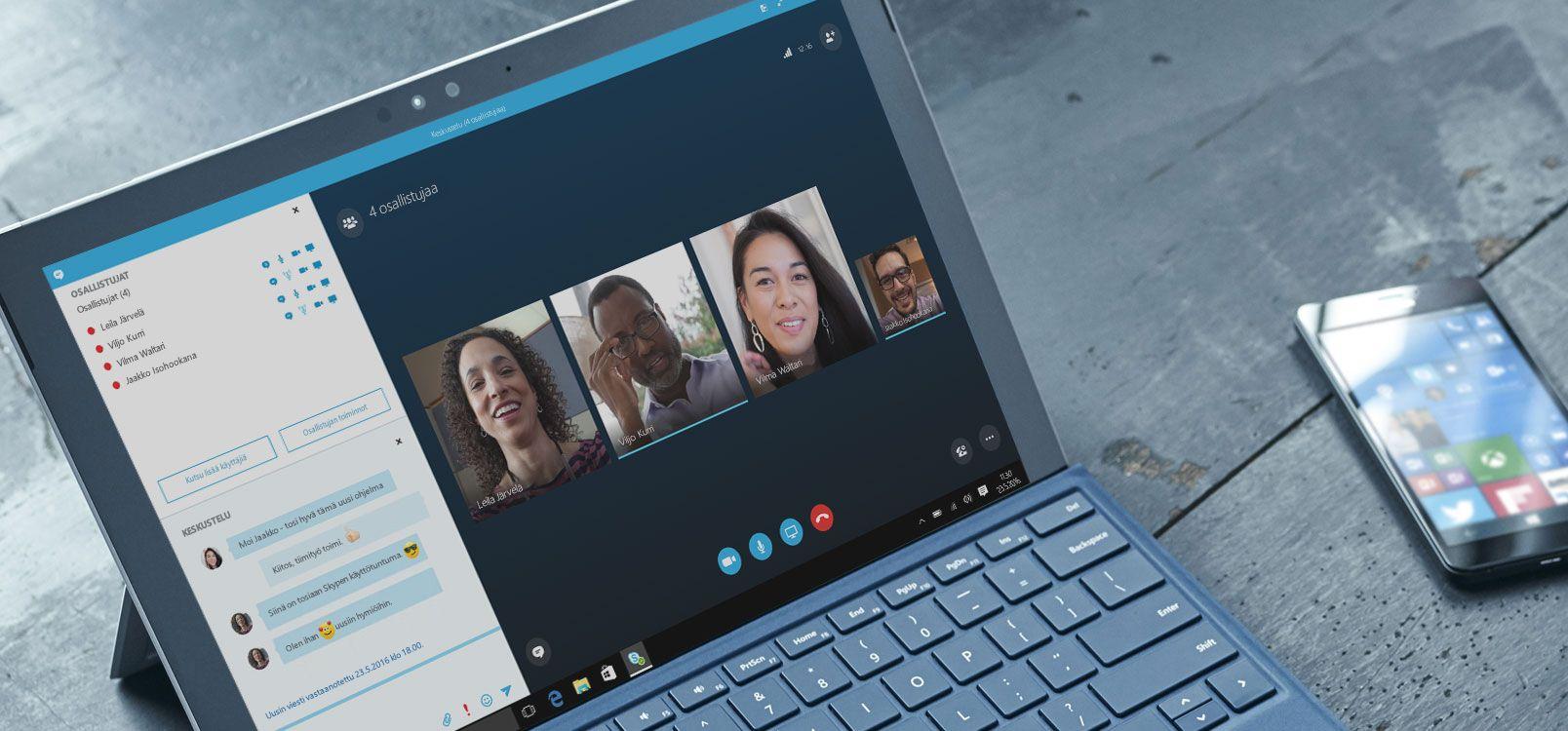 Nainen työstää tiedostoja yhdessä muiden kanssa Office 365:ssä tabletilla ja älypuhelimella.
