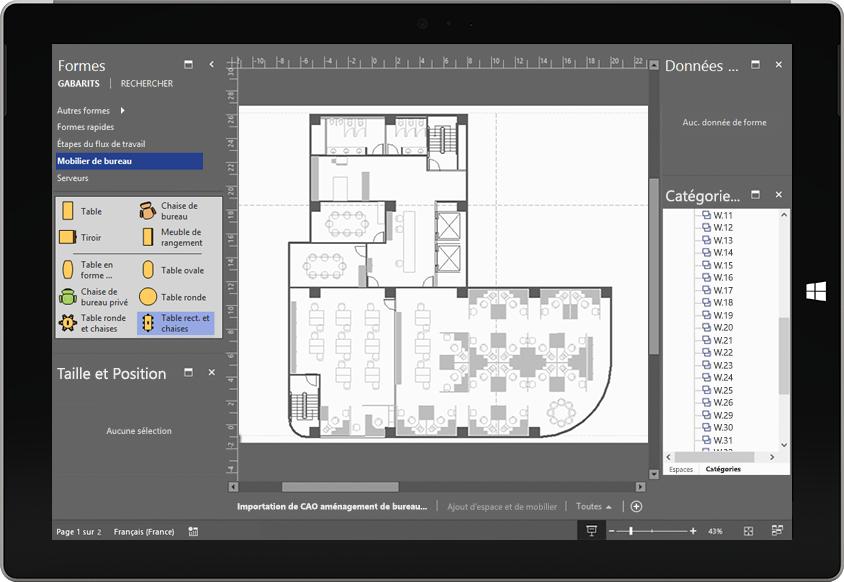 Écran de tablette affichant une animation sur un processus de fabrication dans Visio