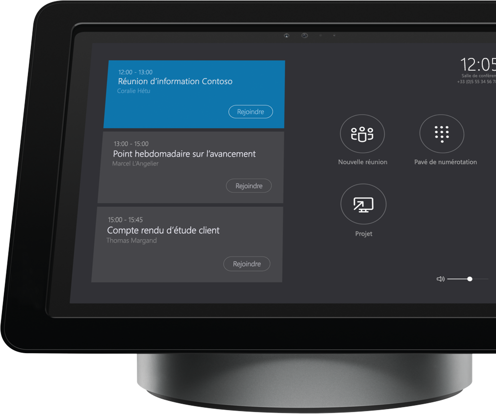 Écran de la solution Polycom Roundtable 100 pour Skype Entreprise sur station d'accueil de salle de réunion