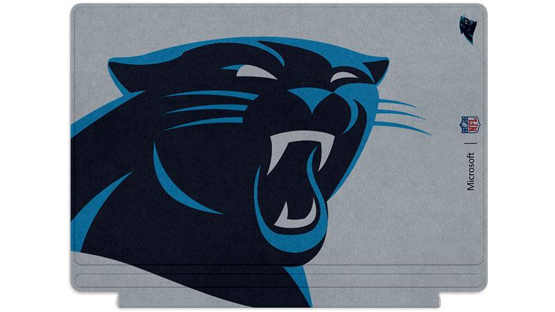Logo des Panthers de la Caroline imprimé sur un clavier Surface Type Cover