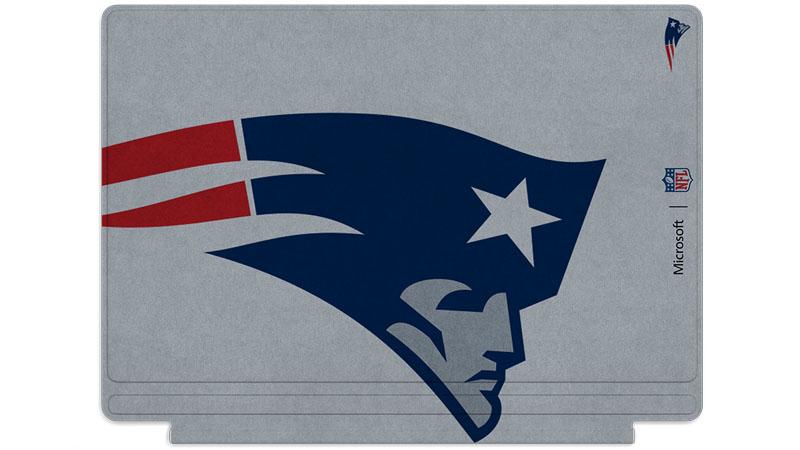 Logo des Patriots de la Nouvelle-Angleterre imprimé sur un clavier Surface Type Cover