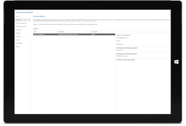 Une tablette portable affichant les fonctionnalités de l'archivage Office365  dans le centre de conformité