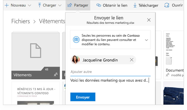 Tablette PC montrant deux personnes en train de collaborer en ligne sur un document Word