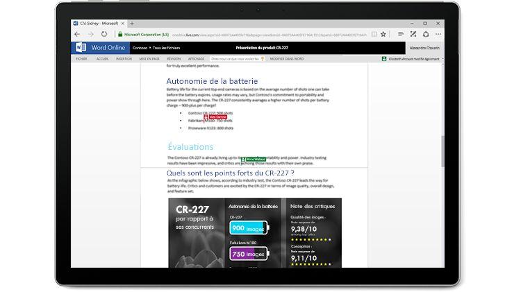 Écran d'ordinateur portable affichant un document Word en cours de modification par plusieurs personnes dans Word Online