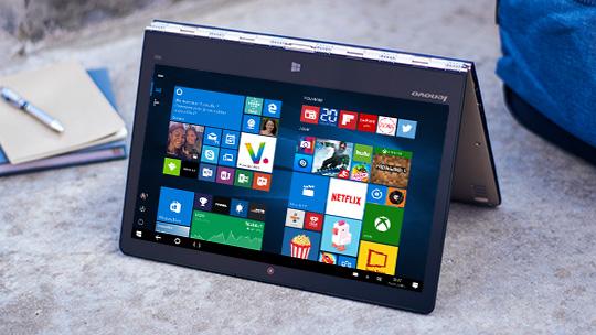 LenovoYoga900 en mode tente avecécran de démarrage Windows10