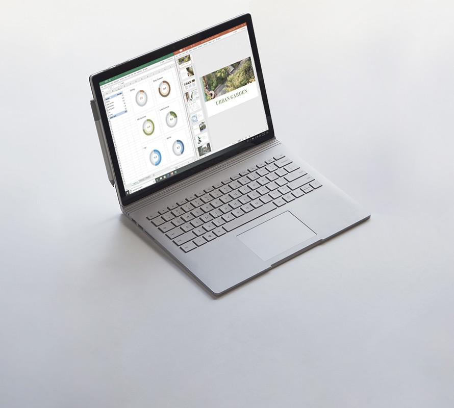 Surface Book2 ouvert en mode Ordinateur portable avec un stylet Surface