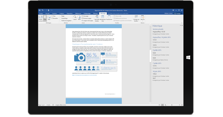 Tablette affichant l'historique des versions d'un document dans Office365.