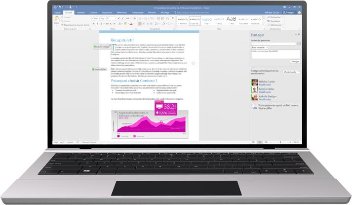 Travail en équipe simplifié: ordinateur portable avec un document Word à l'écran affichant une session de co-création en cours.