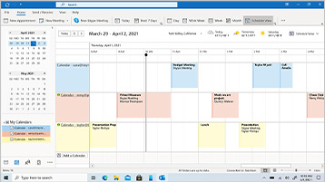 לוח שנה של Outlook מוצג על המסך