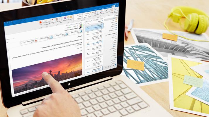 מחשב נישא המראה תצוגה מקדימה של דואר אלקטרוני ב- Office 365 עם עיצוב מותאם אישית ותמונה.