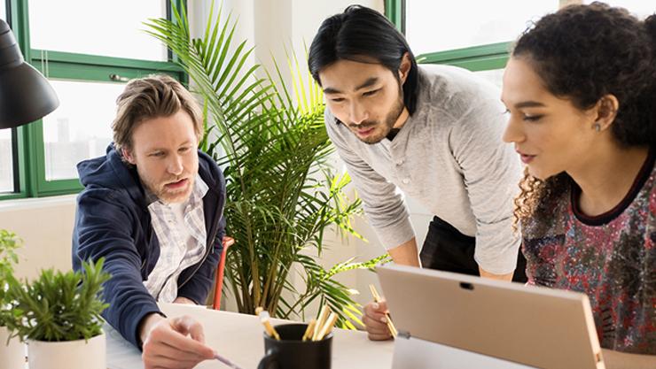 व्यावसायिक उपयोगकर्ताओं के लिए Office योजनाओं के बारे में जानकारी