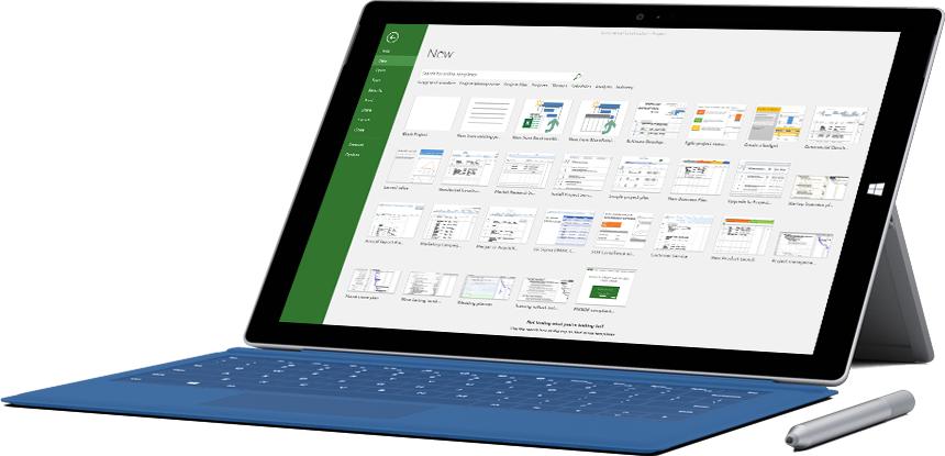 Project 2016 में नई प्रोजेक्ट विंडो दिखाता हुआ Microsoft Surface टैबलेट.